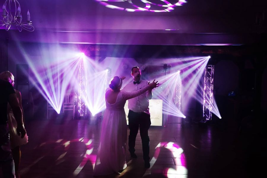 Dekoracje światłem sal weselnych